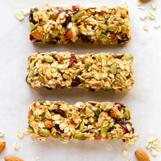 No-bake, Healthy Fruit and Nut Granola Bars Recipe | EverydayEasyEats.com