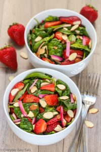Easy Strawberry Spinach Salad with Balsamic Dressing